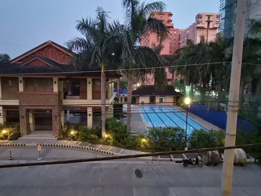 Huawei MatePad Camera Sample - Night, Pool, HDR