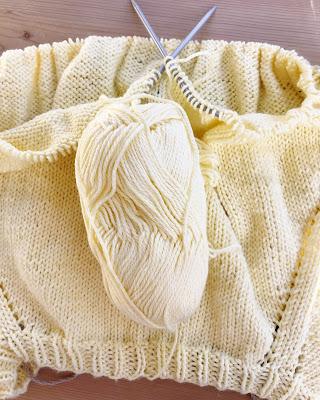 knitting, yellow yarn, circular needles