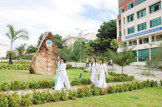 Làm bằng đại học tại Nha Trang