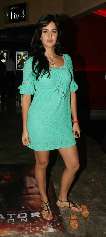 Indian Actress Katrina Kaif Legs Show PhotoShoot In Mini Green Dress