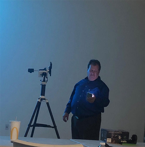 OCA Craig Bobchin controls the Sky Watcher AZ-GTI goto mount from his smartphone (Source: Palmia Observatory)