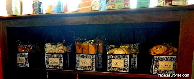 Telhas de amêndoas, doces típicos de Portugal