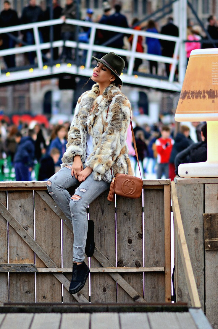Tamara Chloé, TC Style Clues, Morgan De Toi Fur Coat, Gucci soho disco bag, Alexander Wang Scuba Sneakers, Village on Ice, Amsterdam, Museum plein