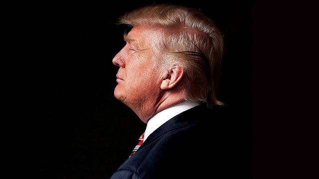 Donald Trump deixou claro na noite de domingo que ele não ficará satisfeito em apenas competir a presidência - ele também deve revelar todas as verdades de Hillary Clinton