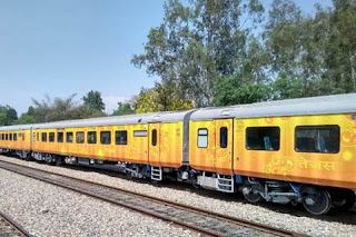 India's First private train IRCTC Tejas Express can be run in Navratri