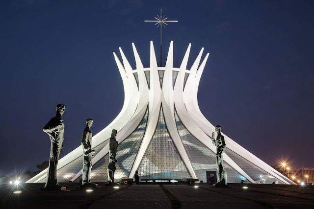Katedral Brasília disebut juga Katedral Rodrigo Marfan