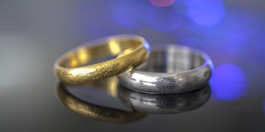 Cincin Kawin Pernikahan Berharga