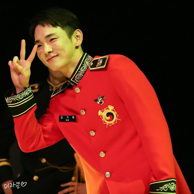 [THEQOO] Askerliğini yaparken daha çok hayran kazanan SHINee Key