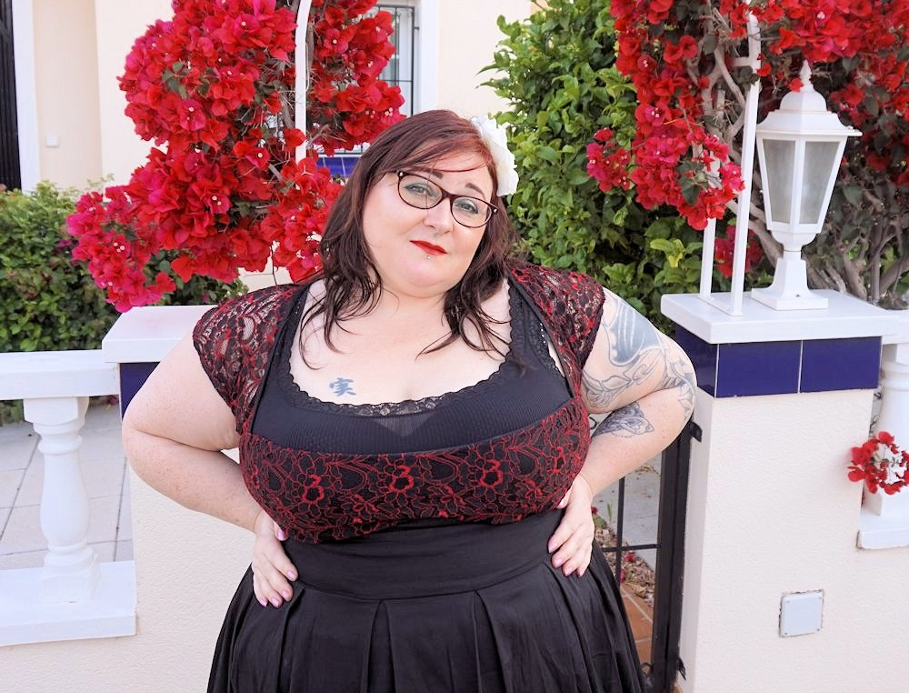 plus size cruise wear plus size evening wear plus size vintage red and black lace plus size glam