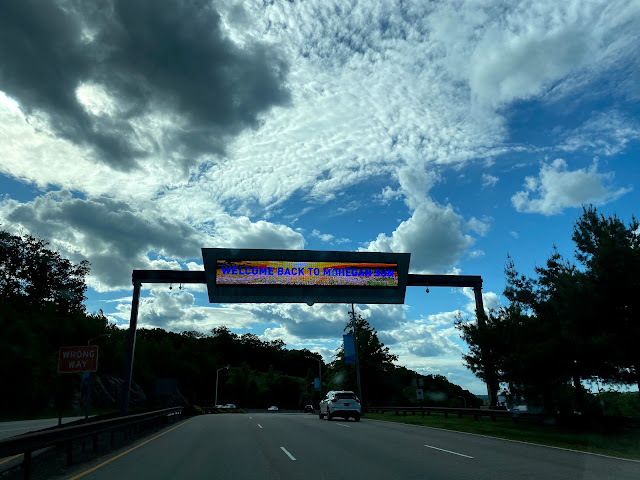 Welcome Back to Mohegan Sun Sign