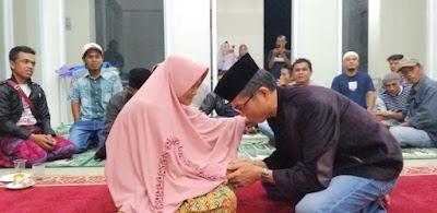 Maskar Mudar Datuak Pobo, minta restu Ibu untuk mengabdi di Limapuluh Kota dihadapan karib kerabat, (28/9/2019).