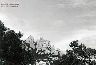 Montserrat 1945. Foto de las montañas en blanco y negro