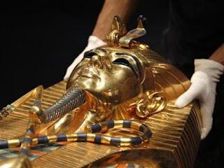 mumi firaun tutankhamun - catatan adi