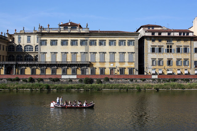 arno river florence boat ride