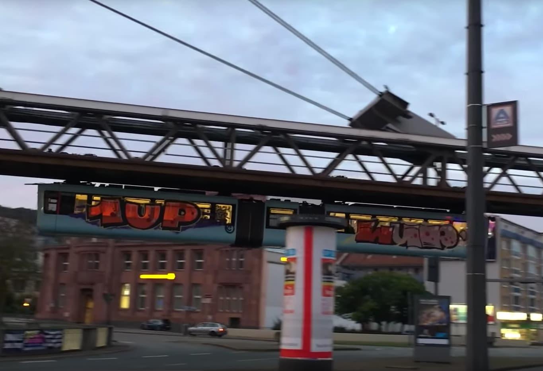 UP x LYP - Rache für Tuffi | Schwebebahn Wuppertal Wholetrain im offiziellen Kurzfilm