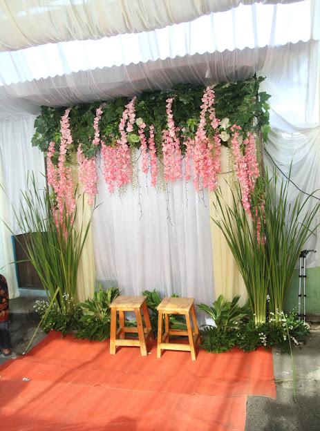 Backdrop untuk photobooth pernikahan