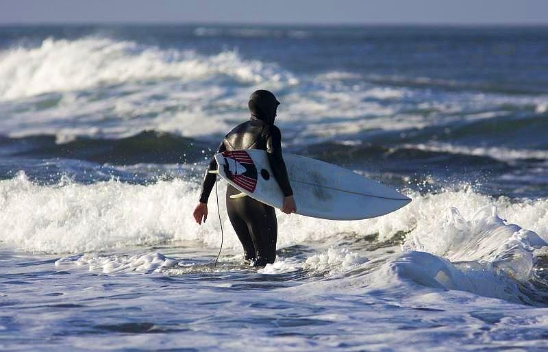mejores lugares practicar surf