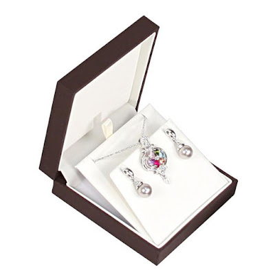 Shop Wholesale Luxury Sleeved Earring or Pendant Boxes at NileCorp.com