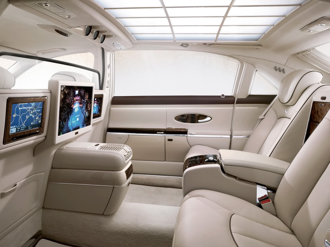 maybach interior pictures cars n bikes. Black Bedroom Furniture Sets. Home Design Ideas