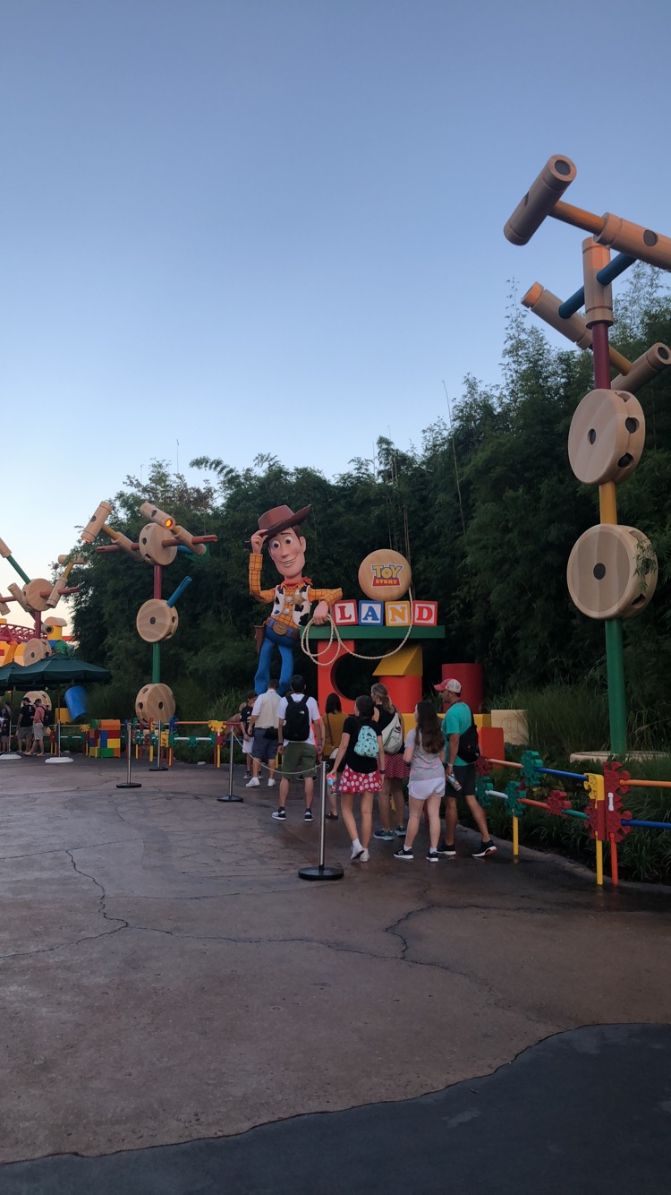 Stephanie Kamp Blog: Review of the new Disney World Toy Story Land
