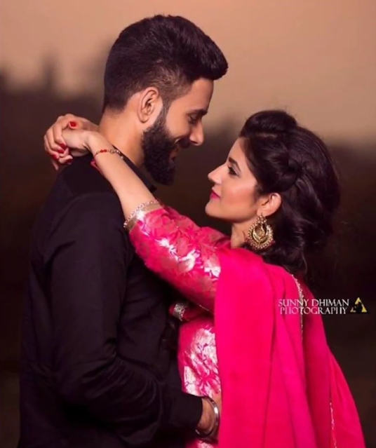 Cute Photoshoot Pose For Couple