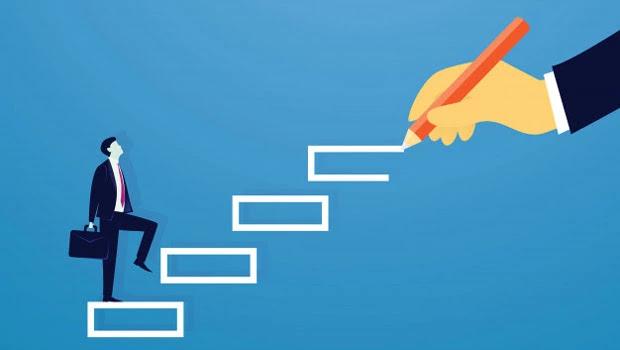 Cara memulai karier baru secara online dengan memilih jalur karier.