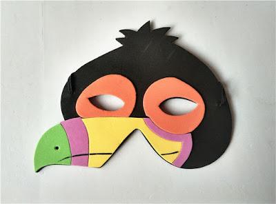 foami de  máscara de cuervo