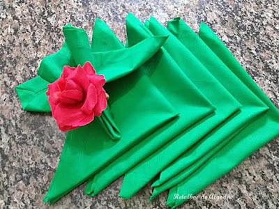guardanapos de tecido verde perfeitos para o natal