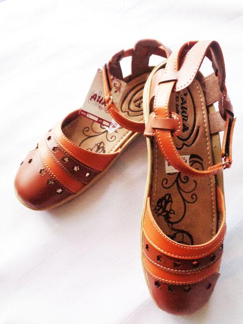 Sepatu Sandal Aura Tutong Tan