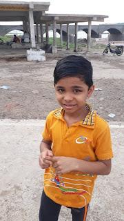 नर्मदा में डूबने से बाल-बाल बचा 8 वर्षीय बालक