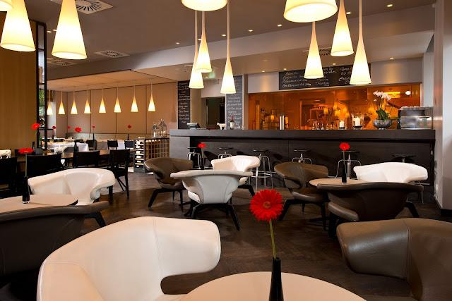 restaurant services, dinning, lights