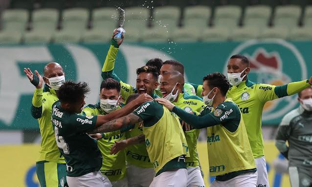 Palmeiras vence Bahia e sobe na classificação do Brasileirão