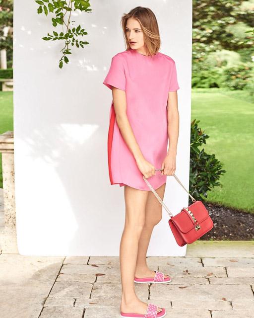 Короткое розовое платье трапеция для фигуры прямоугольник