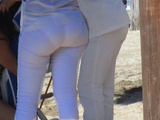 Guapa enfermera pantalon transparente calzon marcado
