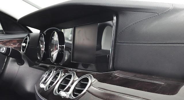 Mercedes E250 2017 sử dụng Hệ thống giải trí hàng đầu của Mercedes
