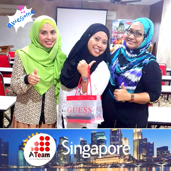 ATeam Singapore Rohaiza Kasdi bersama Awesomazing Team