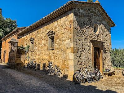 carbon road bike rental in Sarteano Siena