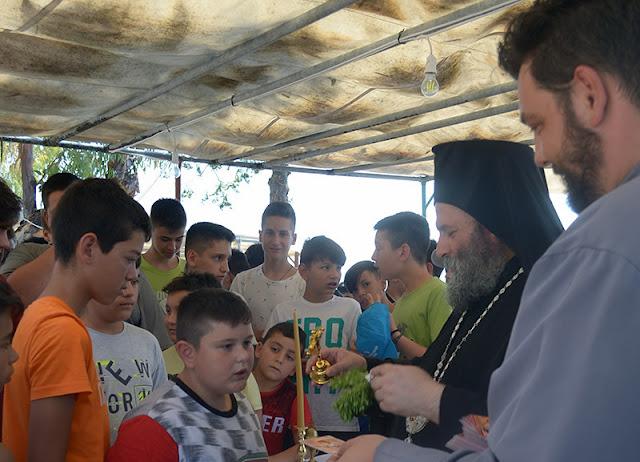 Θεσπρωτία: Στις κατασκηνώσεις Σαγιάδας Θεσπρωτίας ο Μητροπολίτης Ιωαννίνων Μάξιμος