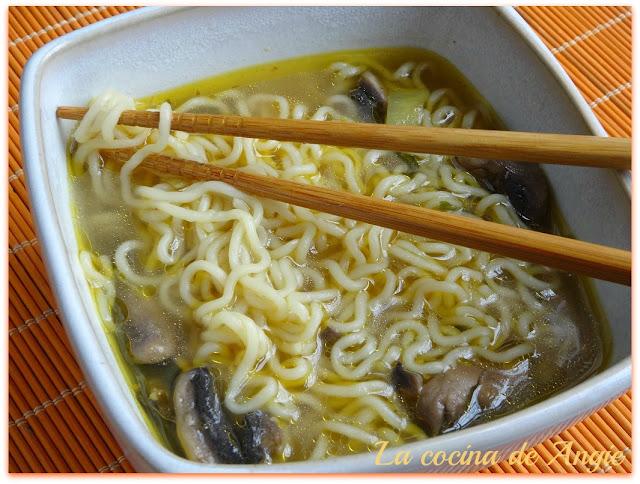Sopa China De Pollo Exprés (olla Gm)