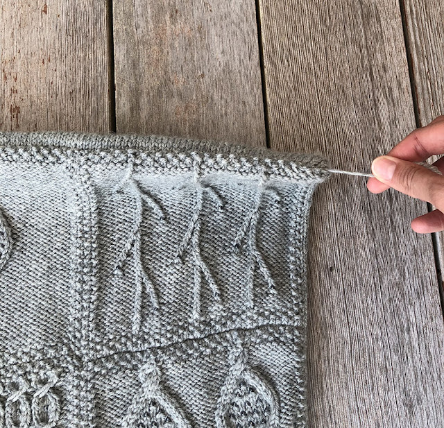 Beaded Cushion and Throw free knitting pattern from Rowan, knit by Dayana Knits