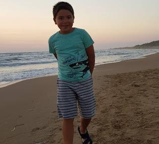 Бекир Игдеджи отдыхает на пляже