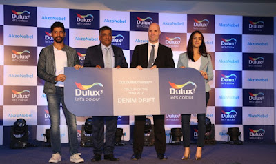 Source: AkzoNobel. From left: Farhan Akhtar, Brand Ambassador, Dulux, Rajiv Rajgopal, Director, Decorative Paints, AkzoNobel South Asia Cluster, Jeremy Rowe, MD, AkzoNobel Decorative Paints, South East & South Asia, Middle East, Shraddha Kapoor, Brand Ambassador, Dulux, unveiled Denim Drift as the Colour of the Year for 2017.
