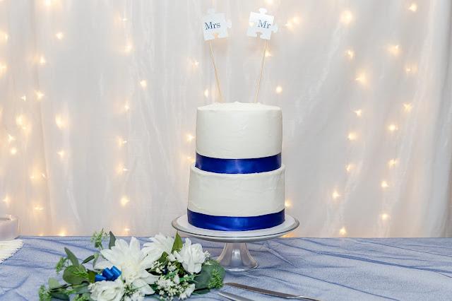 wedding cake at a backyard AZ wedding in july