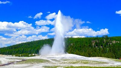 Old Faithful Geyser Yellowstone National Park