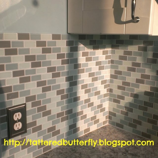 My Kitchen Has Ugly Bathroom Tile: Tattered Butterfly: My IKEA Kitchen