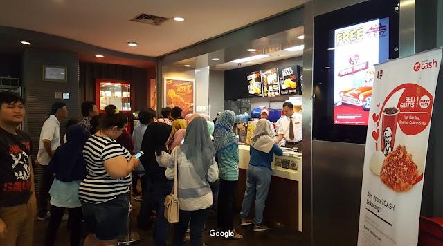 cara memesan makanan di KFC