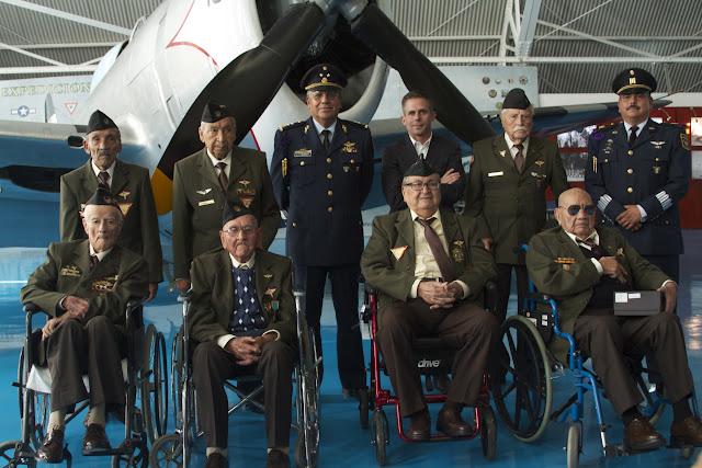 veteranos_escuadron_201_reloj