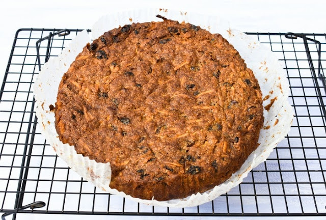 finished fruit cake on cooking wire rack