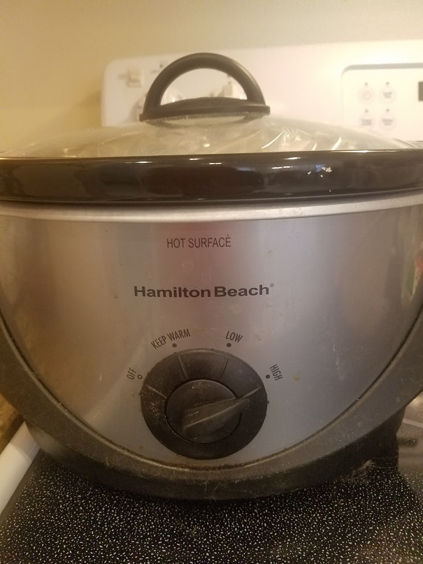 this is a slow cooker used to make bacon cheeseburger soup