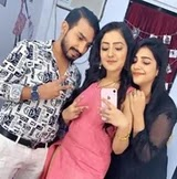 akshita mudgal with her brother and sister